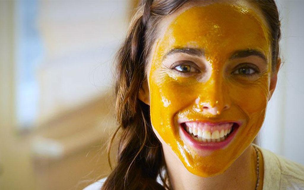 ماسک عسل و زردچوبه